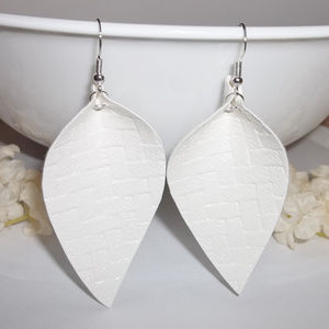 Earrings Off White Leaf Shaped Faux Leather 4889